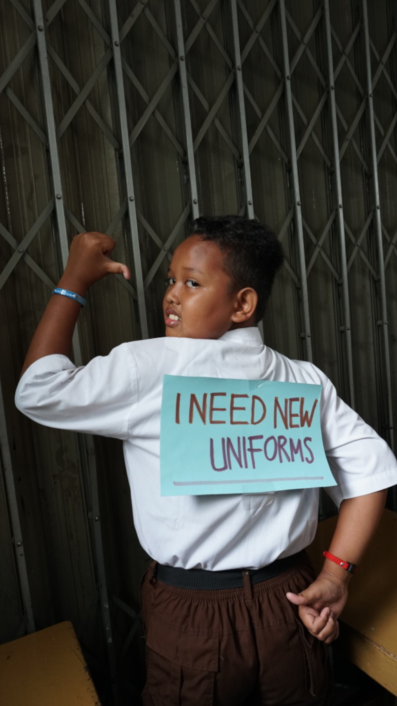 Now you can help Arya to get a set of new uniforms