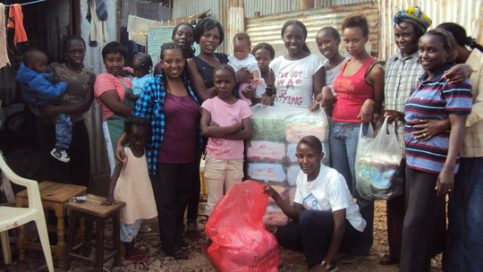 Dagoretti teenage mums and project leader Lucy