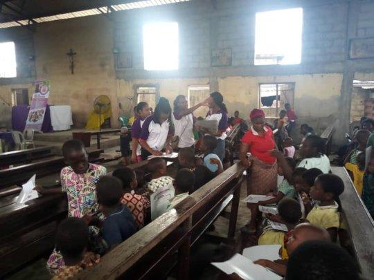 Eager participants at Makoko
