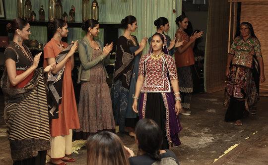 Monghiben walks the Mumbai fashion show ramp