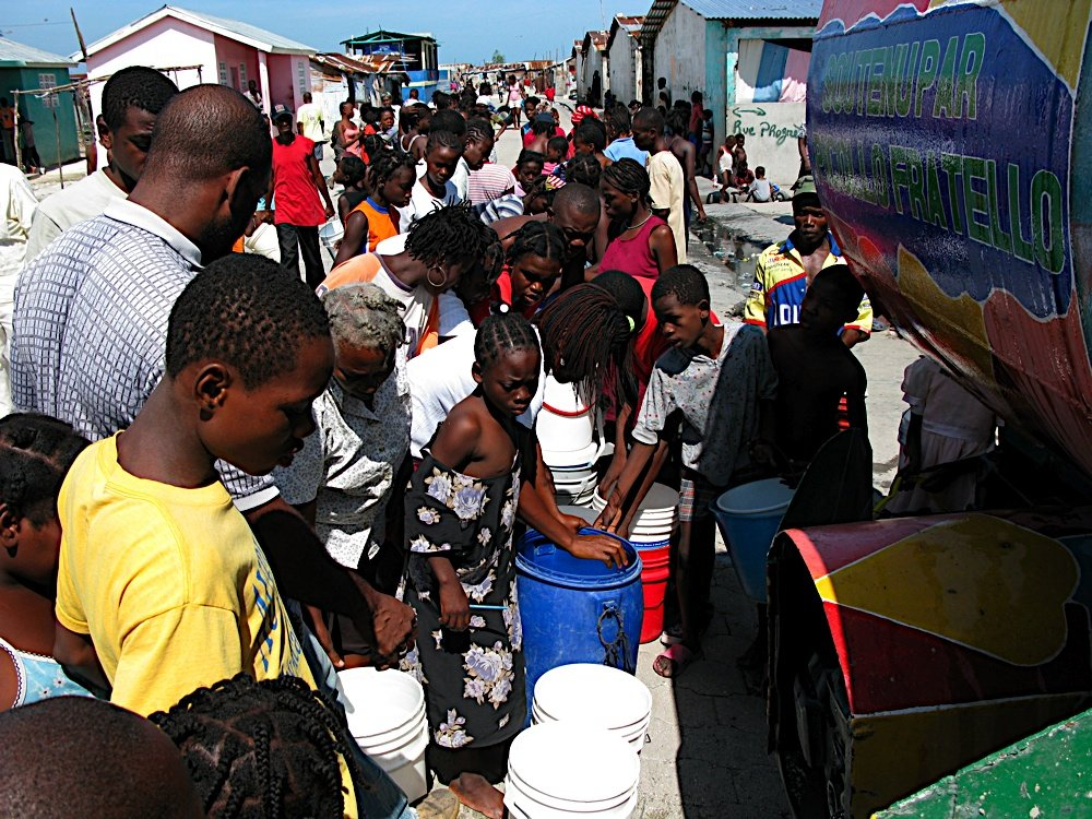 Haiti children in desperate need of food and water