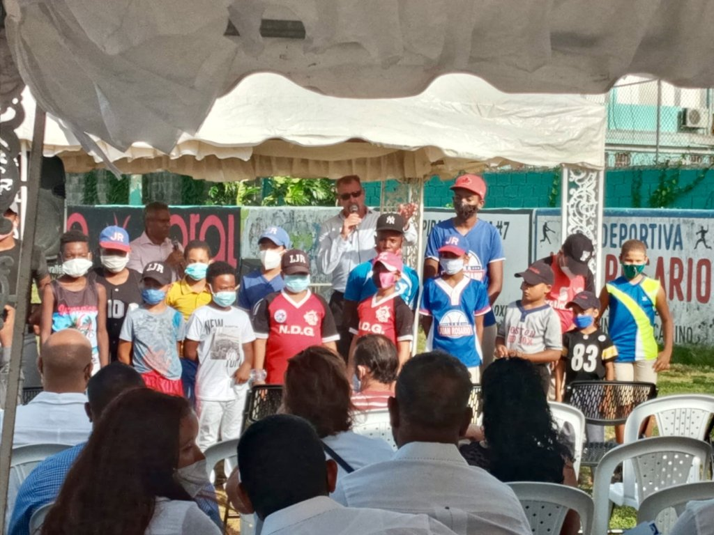Event presentation of local champions and players