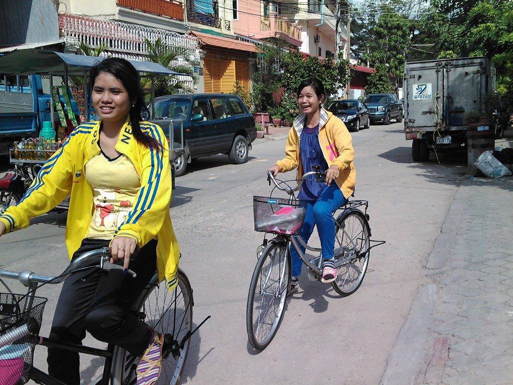 GATEways students pedaling to university!