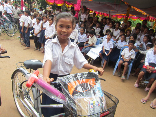 One of the 107 poor girls that received bikes