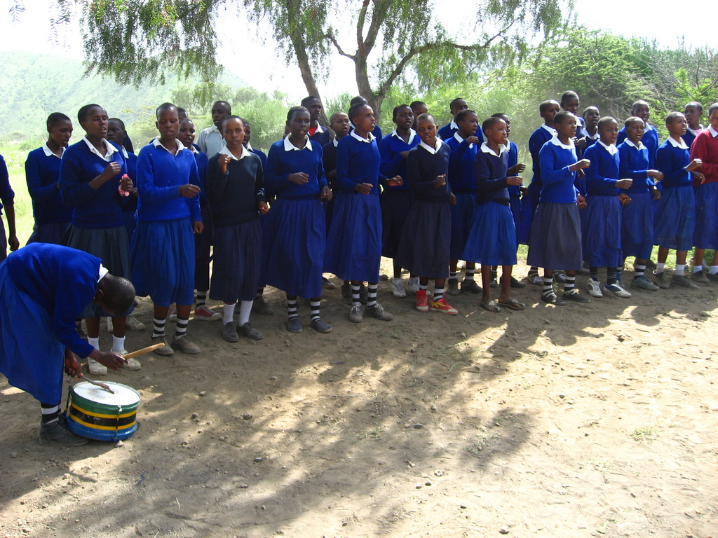 Losinoni Students Celebrate School Lunch Program