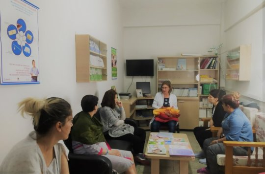 A postnatal class at the maternity hospital