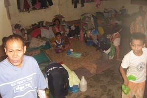 scenes from an evac center during typhoon ondoy