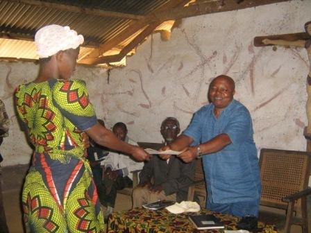 New graduate receives widwife certificate