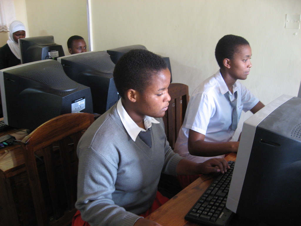 Students using AfricAid Computer Lab