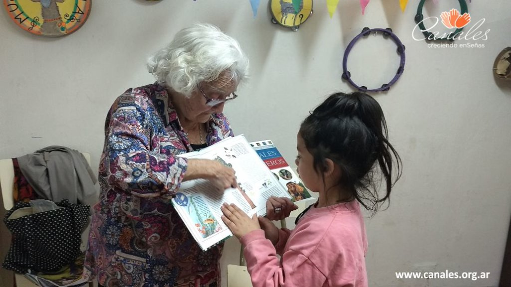 Help Deaf Children learn to read and write