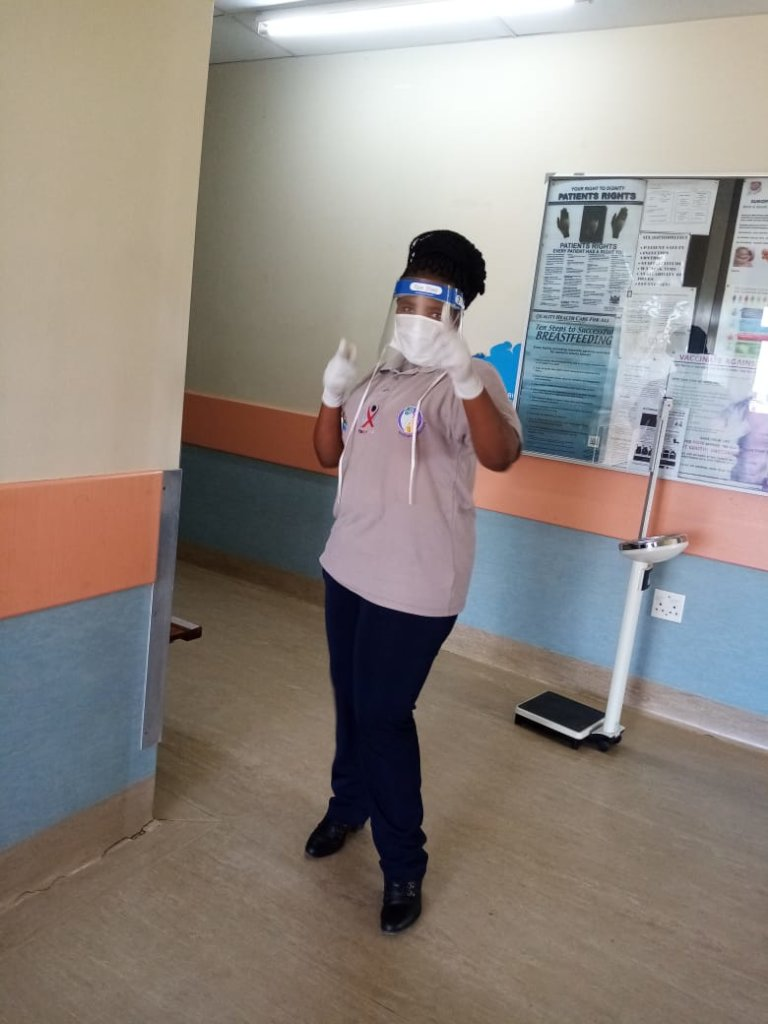 Mentor Mother, Zusiphe, in PPE