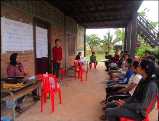 Sotheary present HIV/AIDS knowledge to youths