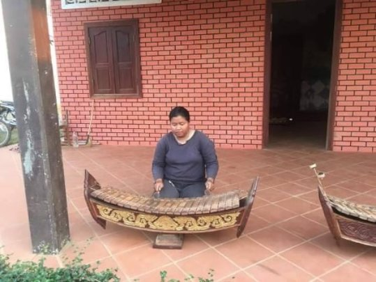 Nith playing Roneat Aek (Bamboo/wooden ) in SCC