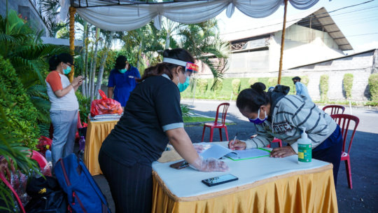 Donation distribution in Kuta-Sanur