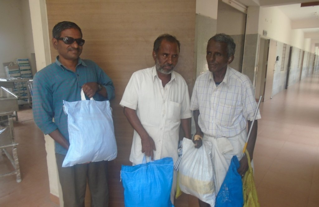 Support Old Age with Food Groceries