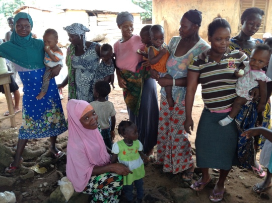 Alima & other mothers in Kukubuso GHFGHC program.