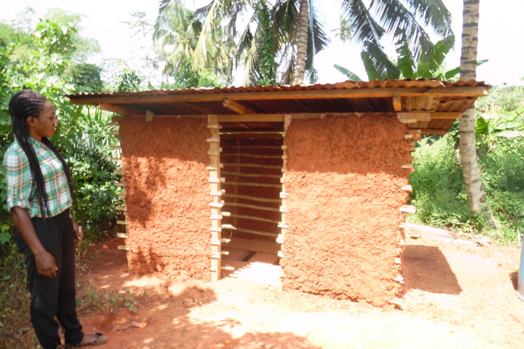 A new latrine improves sanitation in Beposo