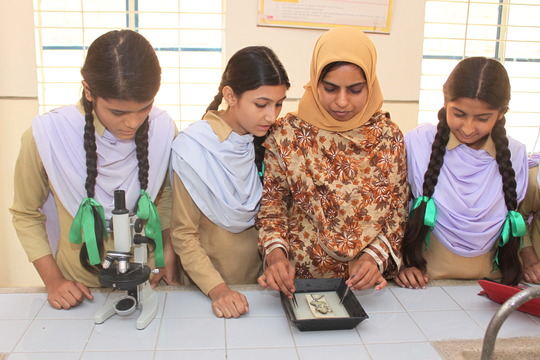 Students in a lab at KFC Pakistan Campus
