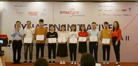 Students of DynaGen Course I received certificate