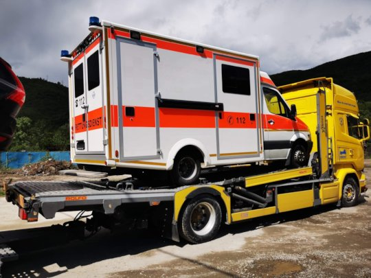 Ambulance arriving in Baile Herculane