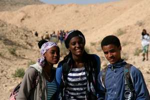Heleny at a field trip to the Negev(in the middle)
