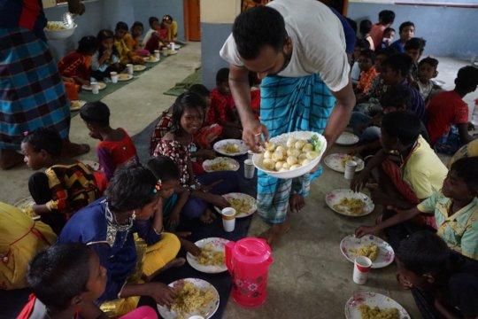 Nutritious food feeding program