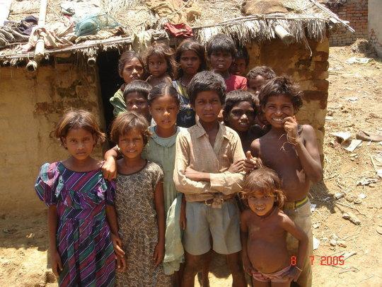 children in a Musahar ghettoe