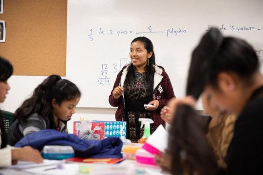 Yolanda teaching class, photo by Livvy Runyon