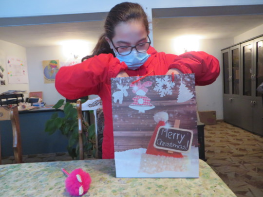 Karine receives her gift