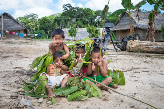 Children in the town of Atalaia-do-Norte