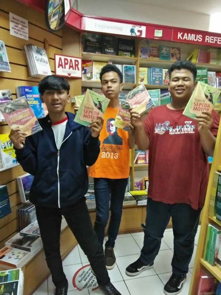 High School Students at the Bookstore