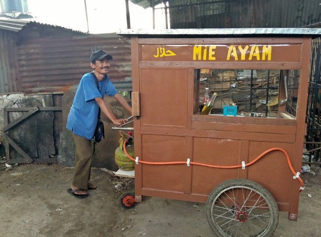 Pak Heri and His Mie Ayam Food Cart