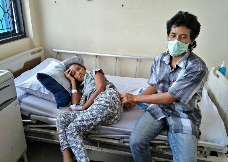 Maran and Sumiyati During Her hospital Stay
