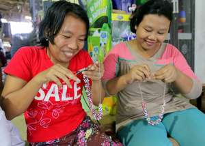 Making Beaded Necklaces