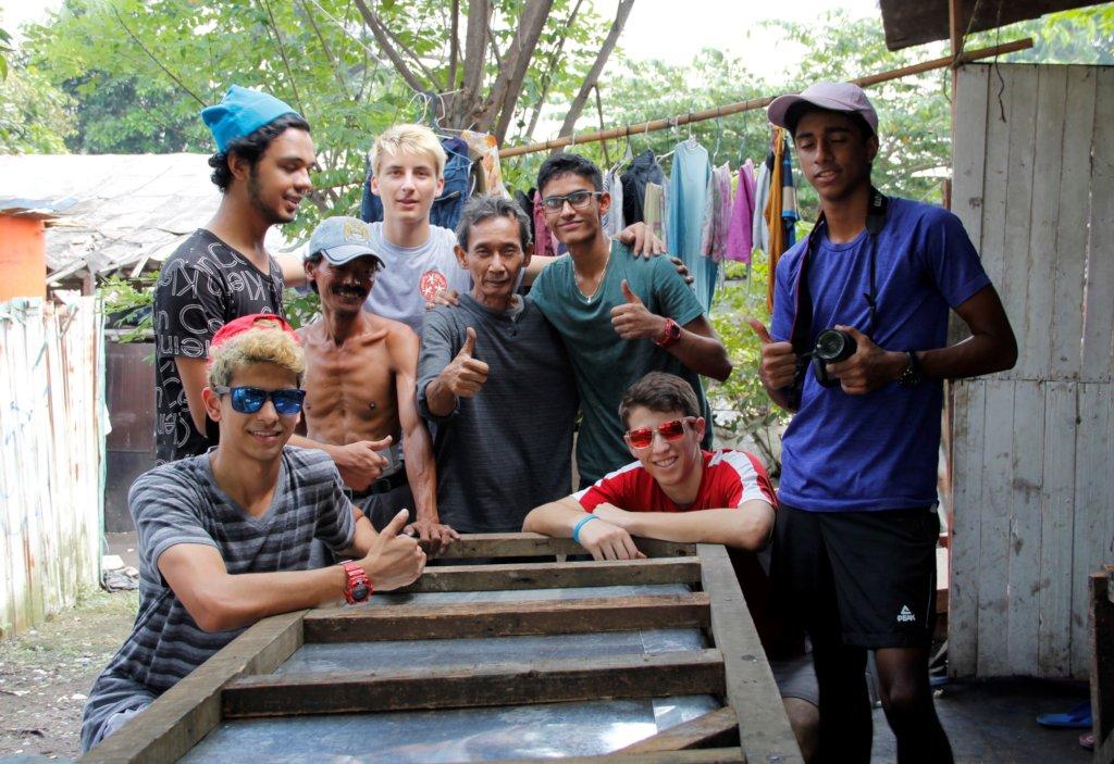 UWCSEA Students Build Oman a Trash Cart