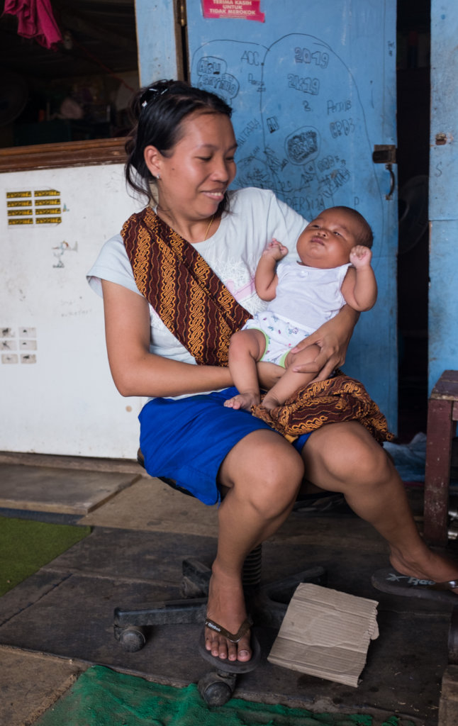New moms and infants need to receive medical care