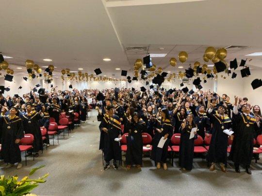 Graduation ceremony of 194 Champs