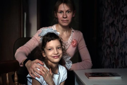 Support foster parents and adopters in Russia