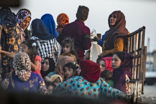 Syrian Kurds fleeing to Northern Iraq