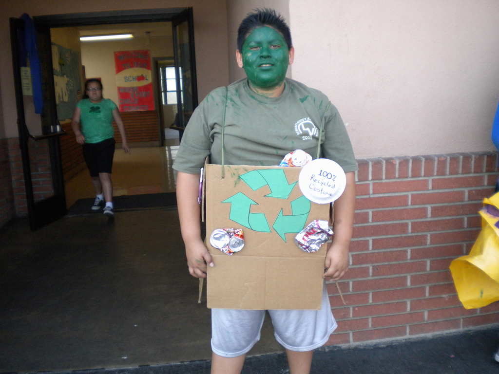 """""""Recycle Man"""" tells students to recycle at lunch!"""