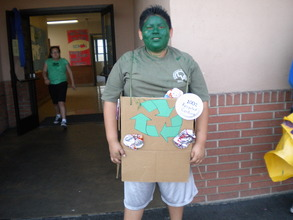 """Recycle Man"" tells students to recycle at lunch!"