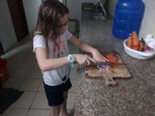 Kyara makes vegetarian ceviche!