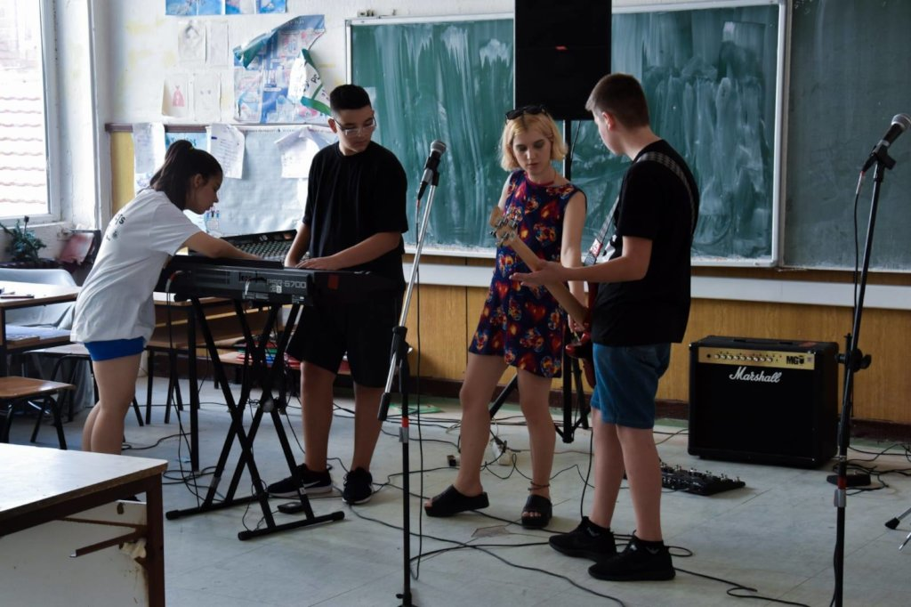 Help music connect youth in divided Kosovo