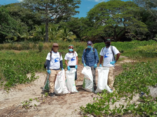 Paso Pacifico rangers during 2020 Coastal Cleanup