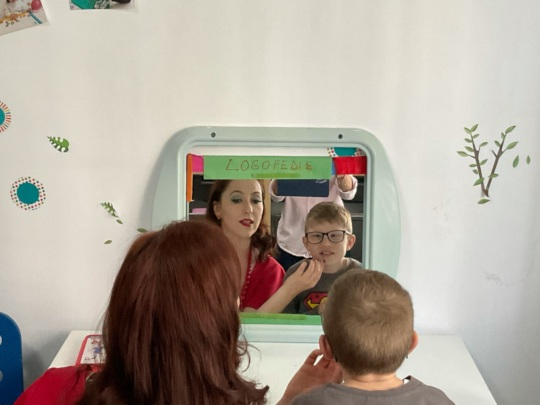 Many benefits of speech therapy for autistic kids!
