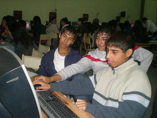 Luciano, Santiago and Maxis´ 1st computer class