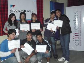 Participants with their course diplomas