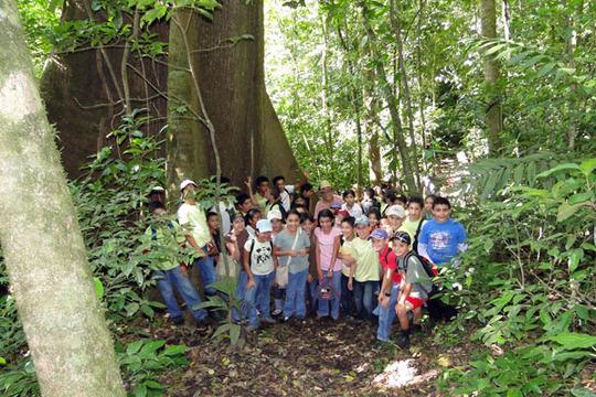 Parcelas school students at Papa Loco