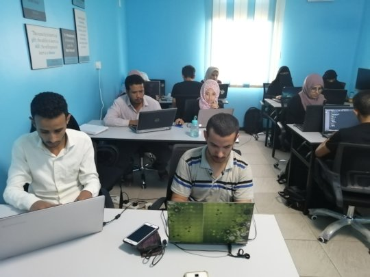 Coding a brighter future for 15 youth in Yemen