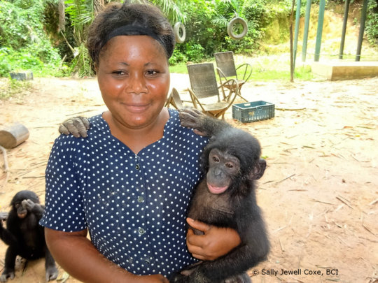 """Bikoro with his """"maman"""" and new friends"""